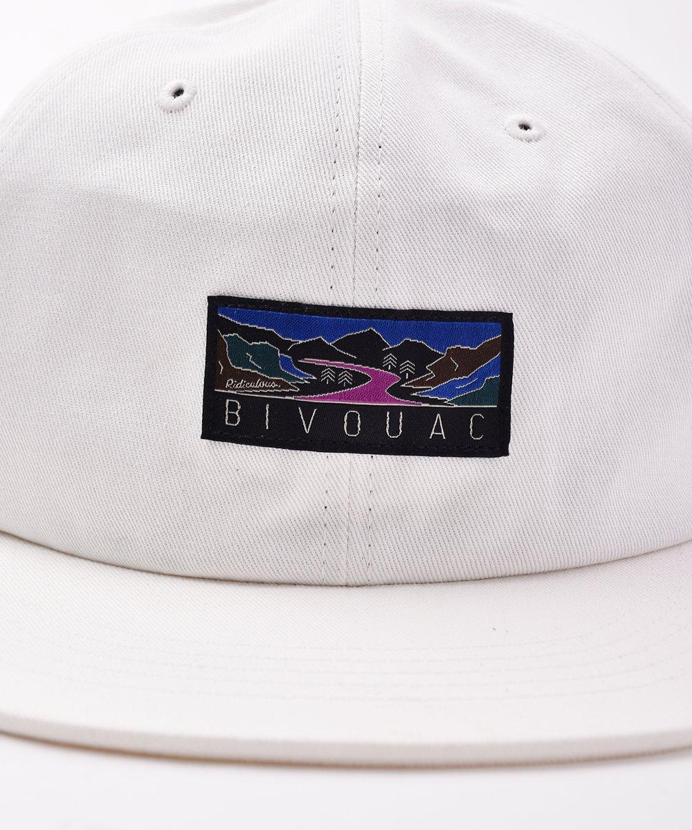 【3色展開】「BIVOUAC」ロゴ入り プレーンキャップ ホワイトサムネイル
