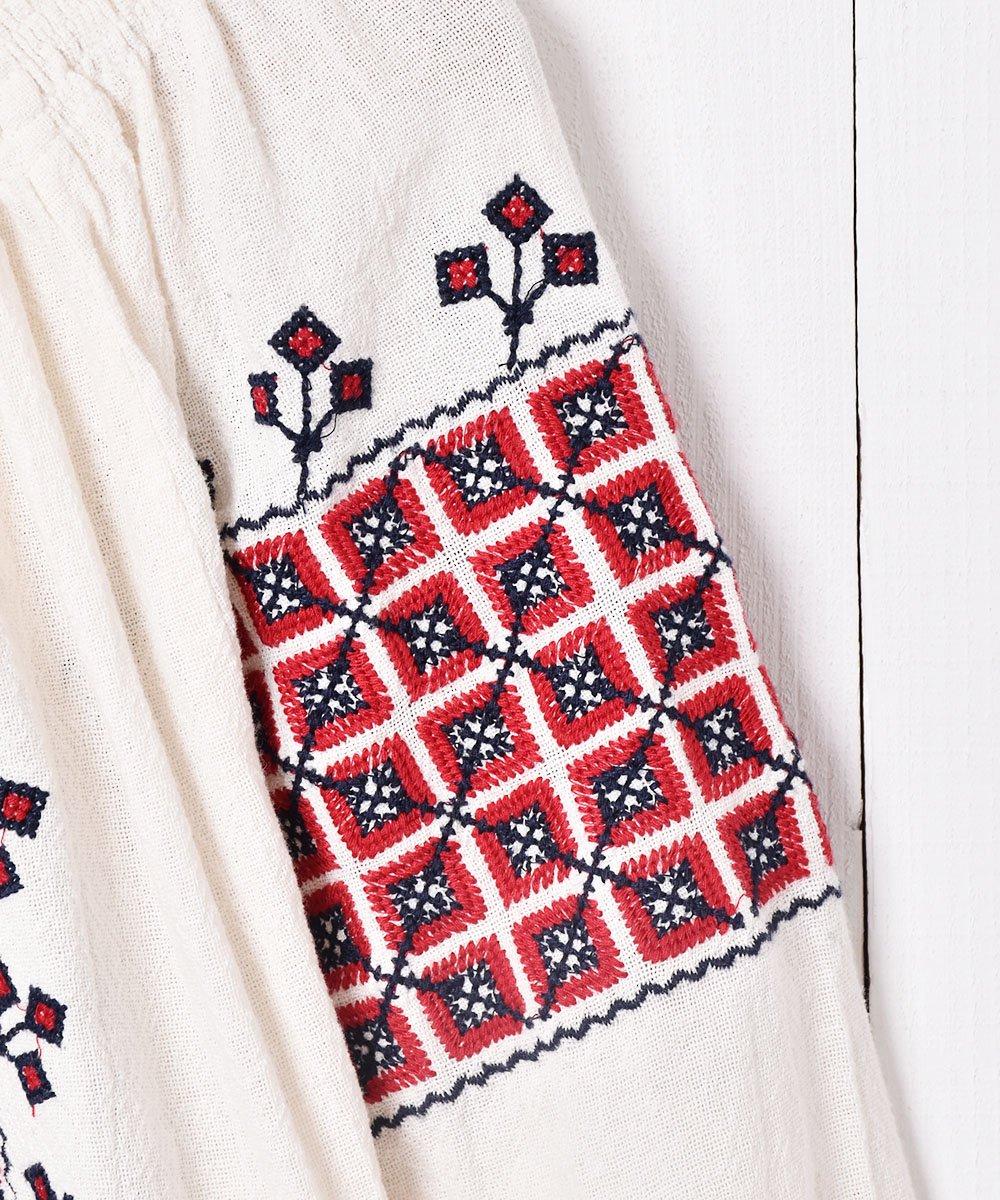 刺繍入りチュニックサムネイル