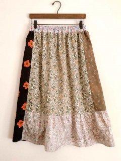 パッチワークのスカート(ブラウン・レッド系)