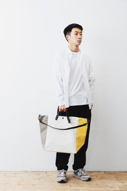SMALL<br>BEACH BAG<br>cotton C<br>-TRICOLOR<br><BANANE×WHITE<br>×GALET>