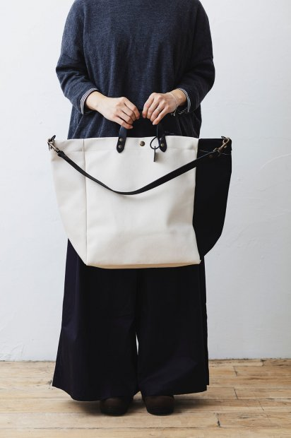 SMALL<br>BEACH BAG<br>cotton C<br>-TRICOLOR<br><PETALE×WHITE<br>×BLACK>