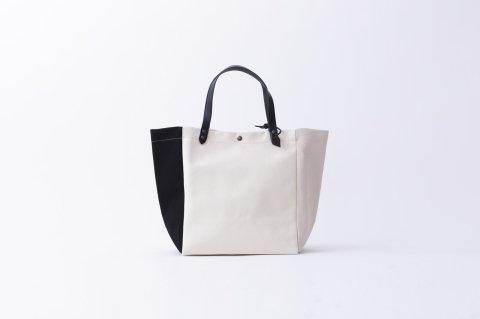 MINI<br>BEACH BAG<br><PETALE/WHITE/BLACK>
