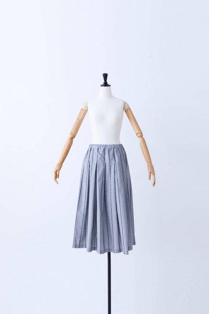 rivi刺繍<br>タックスカート<br><クロ>