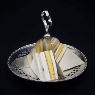 4種類のサンドイッチを美しく盛れるサンドイッチプレート