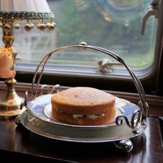 ヴィクトリア時代|お皿を取り替えられるケーキスタンド/バスケット