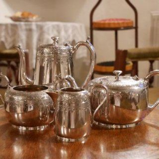 ヴィクトリア時代のコーヒー&ティーポットセット