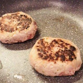 朝霧ヨーグル豚100%のハンバーグ(150g×4ヶ入り)