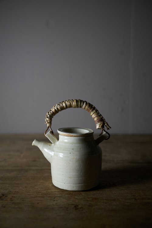 土と艸茶壺