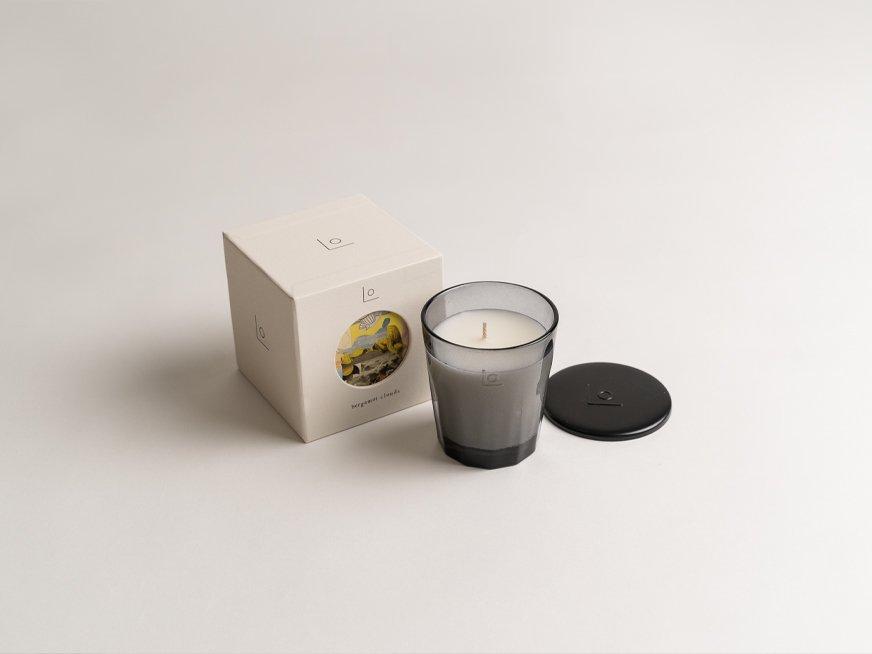 LO vegan fragrance candle/bergamot clouds
