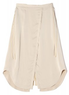 <img class='new_mark_img1' src='https://img.shop-pro.jp/img/new/icons1.gif' style='border:none;display:inline;margin:0px;padding:0px;width:auto;' />Rito (21SS)SATIN STRIPE SKIRT Beige