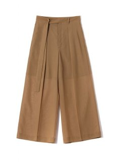<img class='new_mark_img1' src='https://img.shop-pro.jp/img/new/icons1.gif' style='border:none;display:inline;margin:0px;padding:0px;width:auto;' />Rito (21SS)STRAIGHT PANTS Camel