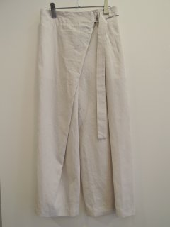 <img class='new_mark_img1' src='https://img.shop-pro.jp/img/new/icons1.gif' style='border:none;display:inline;margin:0px;padding:0px;width:auto;' />ATON (21SS)BELTED PANTS Warm White