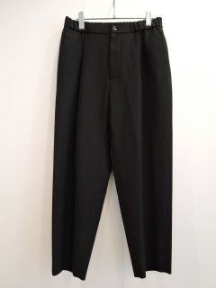 <img class='new_mark_img1' src='https://img.shop-pro.jp/img/new/icons1.gif' style='border:none;display:inline;margin:0px;padding:0px;width:auto;' />ATON (21SS)EASY TAPERED PANTS BLACK