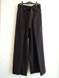 <img class='new_mark_img1' src='https://img.shop-pro.jp/img/new/icons1.gif' style='border:none;display:inline;margin:0px;padding:0px;width:auto;' />THE RERACS (21SS)  WRAP PANTS DARK NAVY
