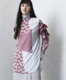 <img class='new_mark_img1' src='https://img.shop-pro.jp/img/new/icons41.gif' style='border:none;display:inline;margin:0px;padding:0px;width:auto;' />RIBBON BLOUSE