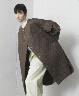<img class='new_mark_img1' src='https://img.shop-pro.jp/img/new/icons41.gif' style='border:none;display:inline;margin:0px;padding:0px;width:auto;' />DIAMOND QUILT COAT