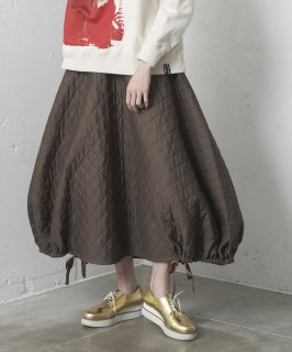 <img class='new_mark_img1' src='https://img.shop-pro.jp/img/new/icons41.gif' style='border:none;display:inline;margin:0px;padding:0px;width:auto;' />DIAMOND QUILT BALLOON SKIRT
