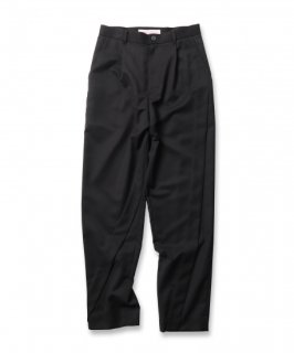 <img class='new_mark_img1' src='https://img.shop-pro.jp/img/new/icons41.gif' style='border:none;display:inline;margin:0px;padding:0px;width:auto;' />DIAGONAL TUCK PANTS