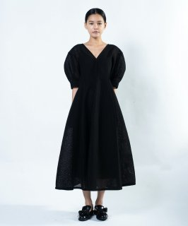 <img class='new_mark_img1' src='https://img.shop-pro.jp/img/new/icons41.gif' style='border:none;display:inline;margin:0px;padding:0px;width:auto;' />LACE DRESS