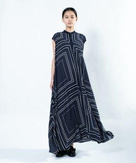 BIG FLARE DRESS