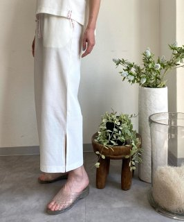 <img class='new_mark_img1' src='https://img.shop-pro.jp/img/new/icons13.gif' style='border:none;display:inline;margin:0px;padding:0px;width:auto;' />【ONLINE STORE限定】TAPE PANTS