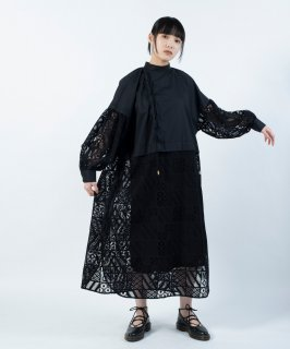 <img class='new_mark_img1' src='https://img.shop-pro.jp/img/new/icons13.gif' style='border:none;display:inline;margin:0px;padding:0px;width:auto;' />SQUARE LACE DRESS
