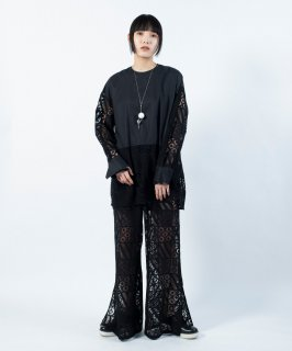 <img class='new_mark_img1' src='https://img.shop-pro.jp/img/new/icons13.gif' style='border:none;display:inline;margin:0px;padding:0px;width:auto;' />SQUARE LACE BLOUSE