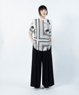 <img class='new_mark_img1' src='https://img.shop-pro.jp/img/new/icons13.gif' style='border:none;display:inline;margin:0px;padding:0px;width:auto;' />CIRCUS BLOUSE
