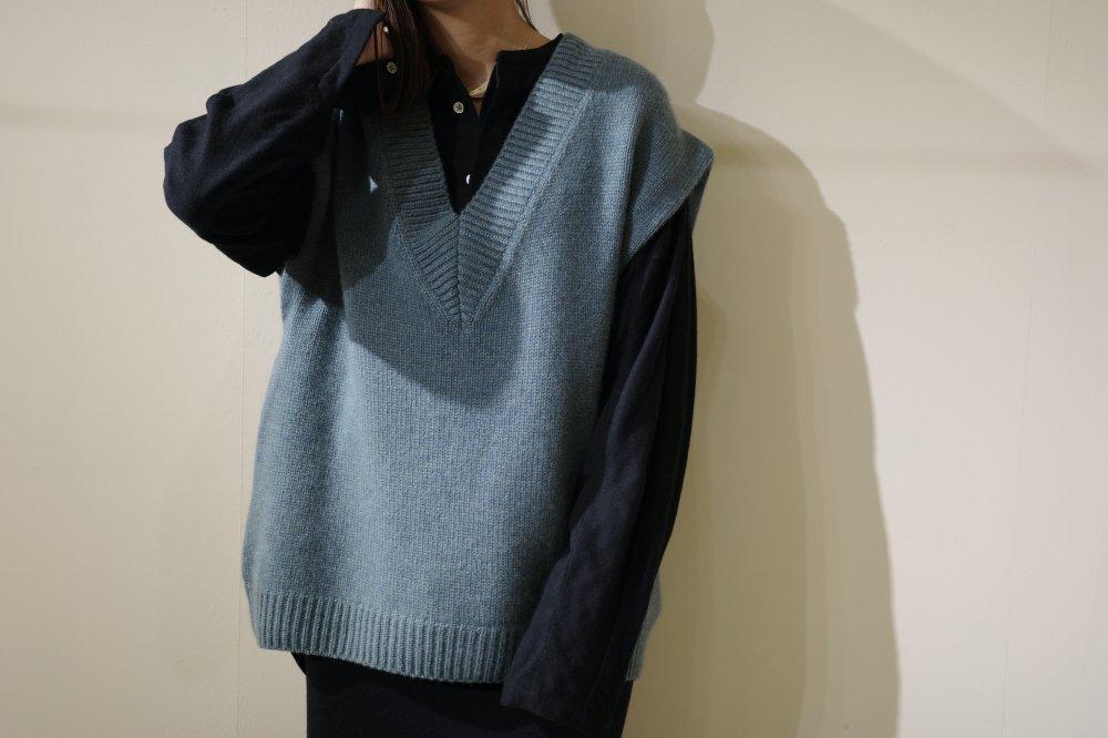 pelleq Square shoulder vest