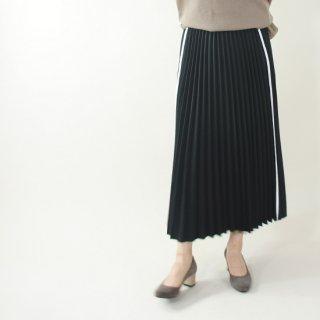 サイドラインプリーツスカート