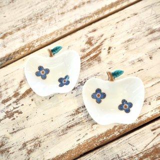 リンゴ小皿 花柄