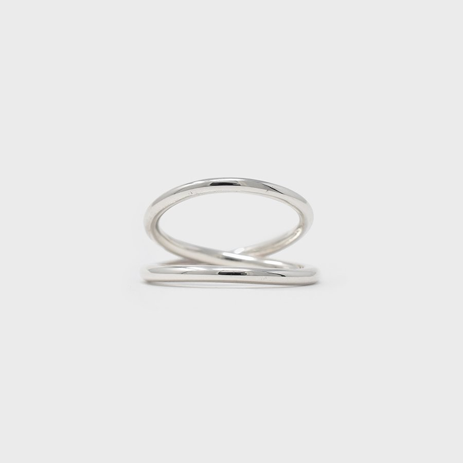 "UNKNOWN. U078 "" BROAD "" RING / SILVER"