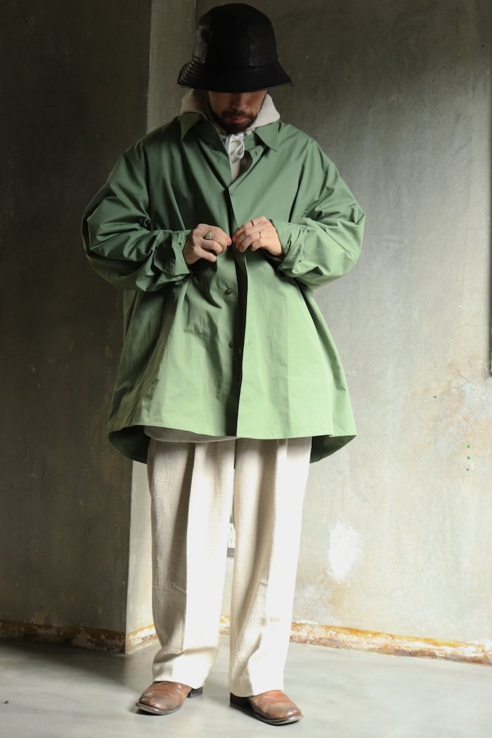 HED MAYNER【 OPEN BACK BUTTONED SHIRT / GREEN COTTON】