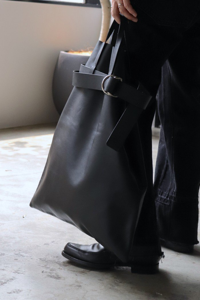 POSTELEGANT 【Cow Leather Belted Bag】