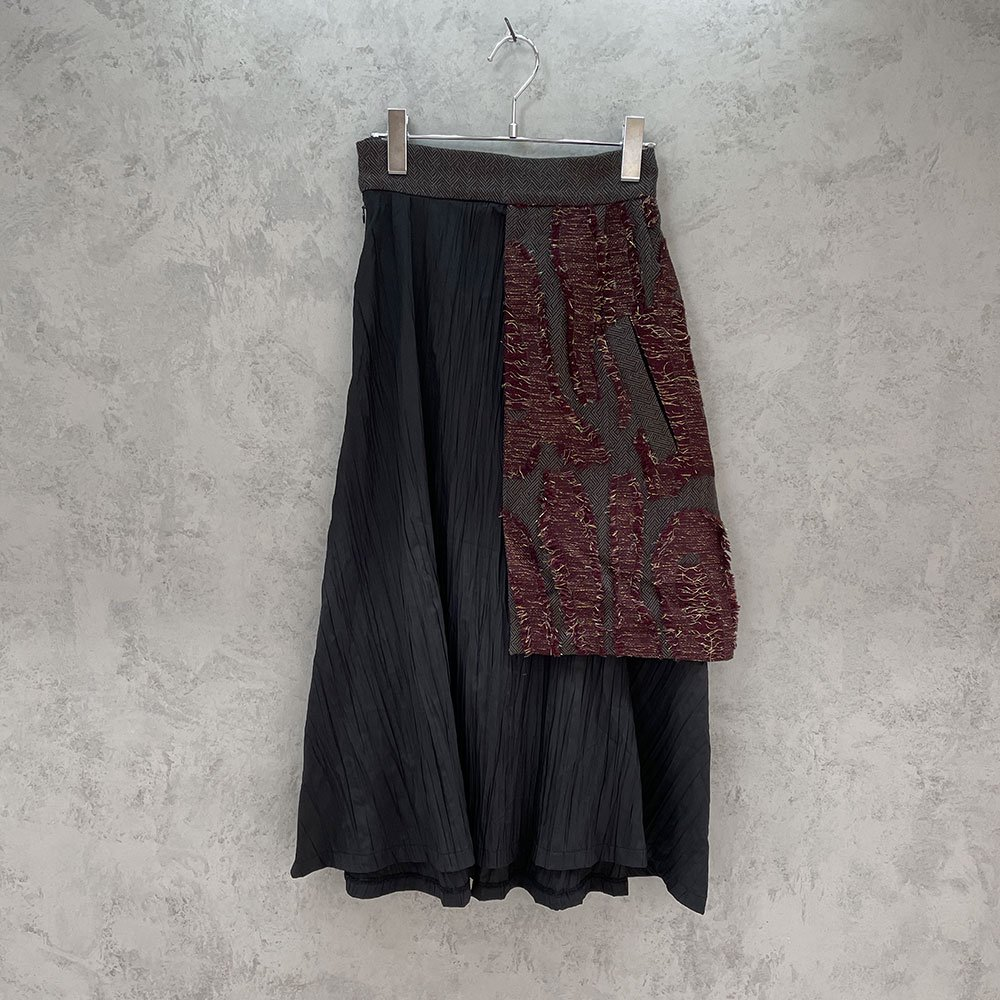 inbi/ Coathem Skirt (RED)