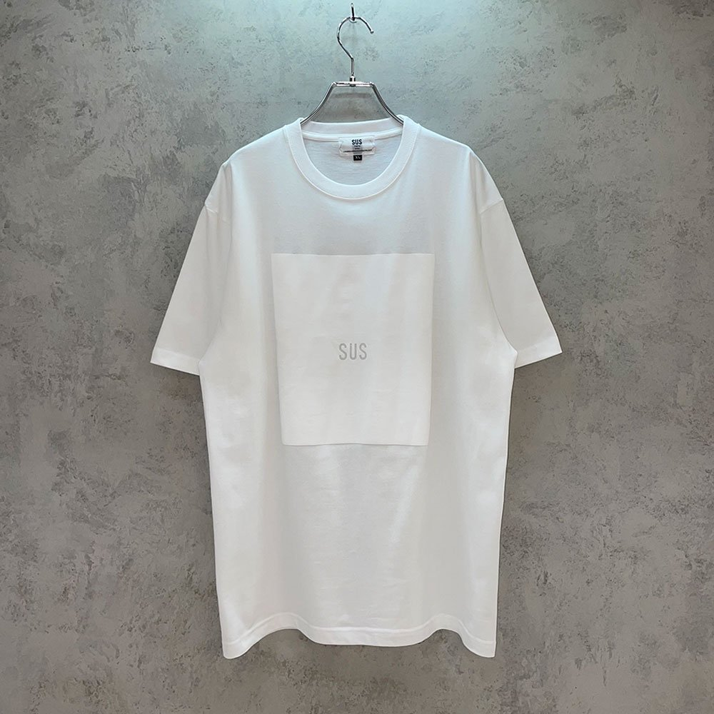 SUS by. SUSPEREAL/  BOX TEE (WHT/WHT)