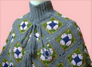 あったか手編みフリンジポンチョ (グレー系)