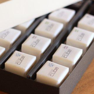 MOCHI cube®(モチキューブ)15個入り(フレーバー5種・各3個)