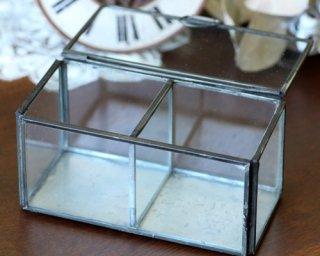 ディスプレイ什器: メタルフレーム 2ルームガラスケース