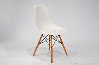 モデルルーム展示品 Vitra Eames サイドシェルチェア29579