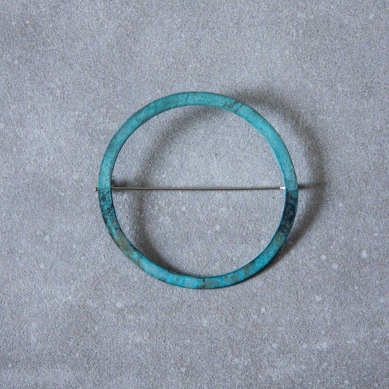 Chi ブローチ41 緑青