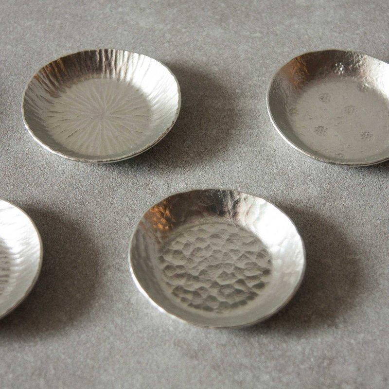 下山普行 錫槌目豆皿