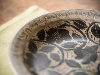 【堂前守人・陶器作品】| 白と黒の皿