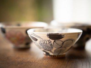 【堂前守人・陶器作品】|ごはん茶碗/シロツメクサ