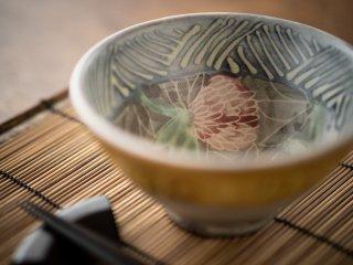 【堂前守人・陶器作品】|ごはん茶碗/アカツメクサ