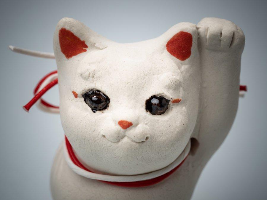 天野明美・陶人形| 招き猫「阿吽ちゃん」 | 〜オンライン工芸展 2021〜