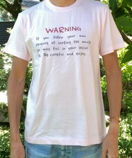 【エコ@えこ】オリジナルTシャツ(メンズ) サーファーへの【警告】ライトピンク<br> Tシャツ販売開始記念、特別価格設定中! (全国どこでも送料無料)<img class='new_mark_img2' src='https://img.shop-pro.jp/img/new/icons61.gif' style='border:none;display:inline;margin:0px;padding:0px;width:auto;' />