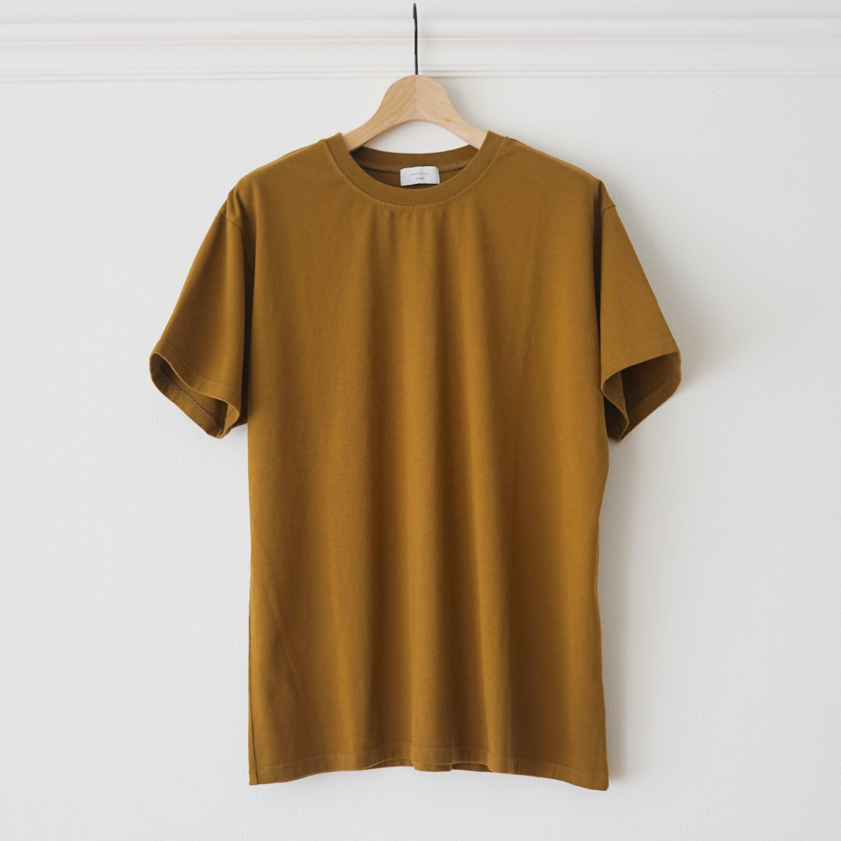 【UNDECORATED アンデコレイテッド】ORGANIC CO S/S TEE - BROWN