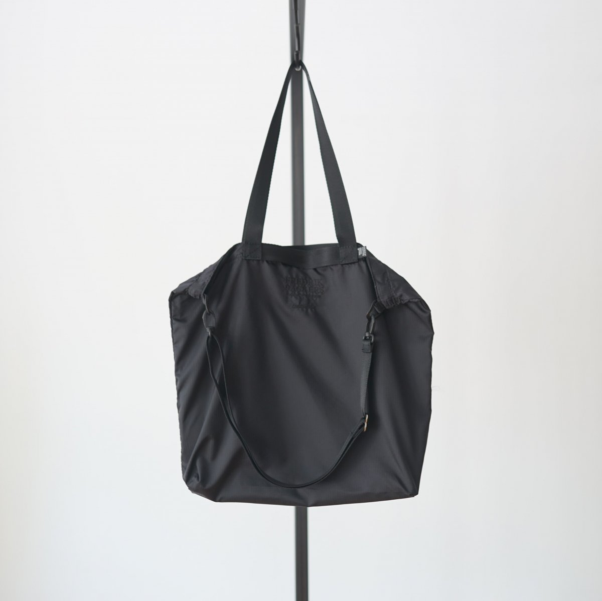 【FreshService フレッシュサービス】 FreshService × FREDRIK PACKERS PACKABLE VAIL SALL - BLACK