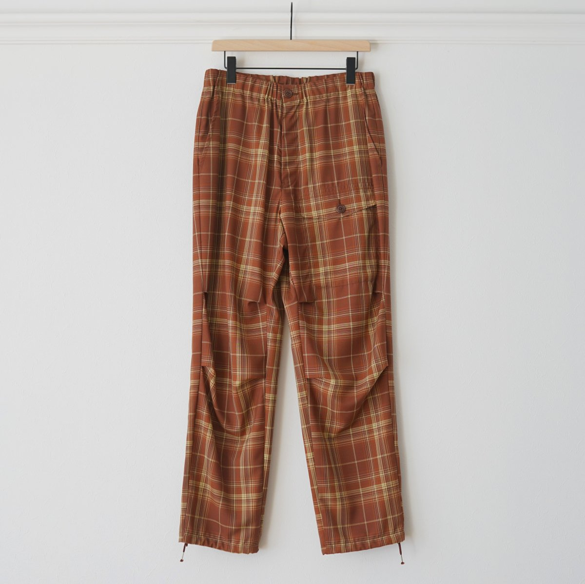 【WELLDER ウェルダー】TAPERD CARGO TROUSERS - BROWN
